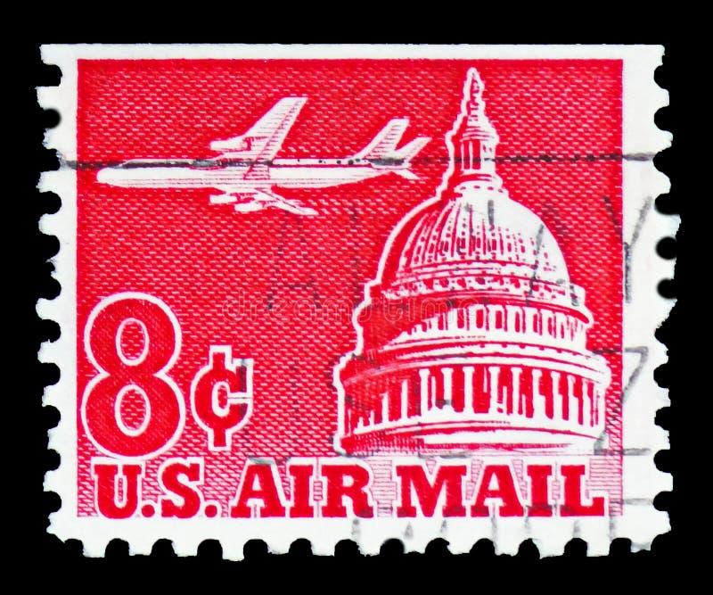 Jet Airliner sobre o Capitólio, expede por via aérea o serie 1952-1967, cerca de 1962 imagens de stock