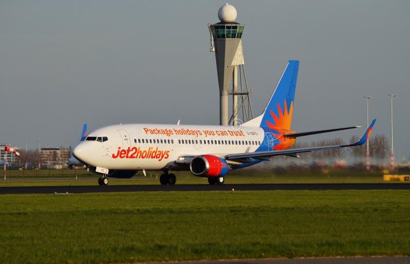 Jet2 Boeing 737 parte Schiphol imagem de stock royalty free