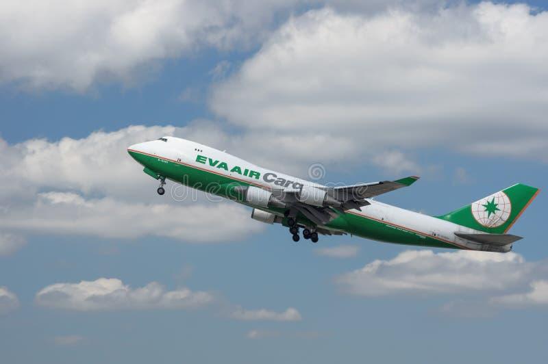 Jet d'EVA Air Cargo aéroporté photographie stock libre de droits