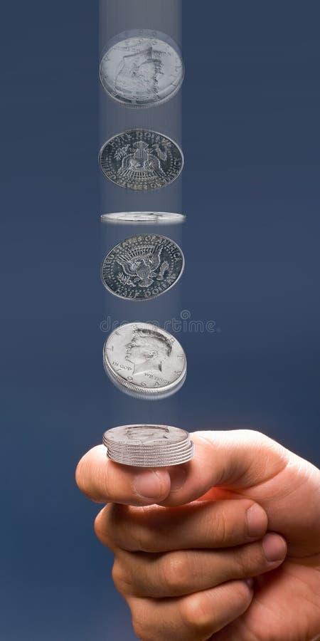 Jet en l'air de pièce de monnaie. photographie stock libre de droits