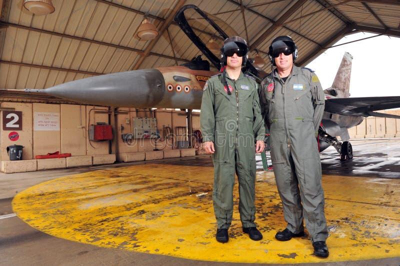 Jet israelí de los pilotos y del caza F-16 de IAF foto de archivo libre de regalías