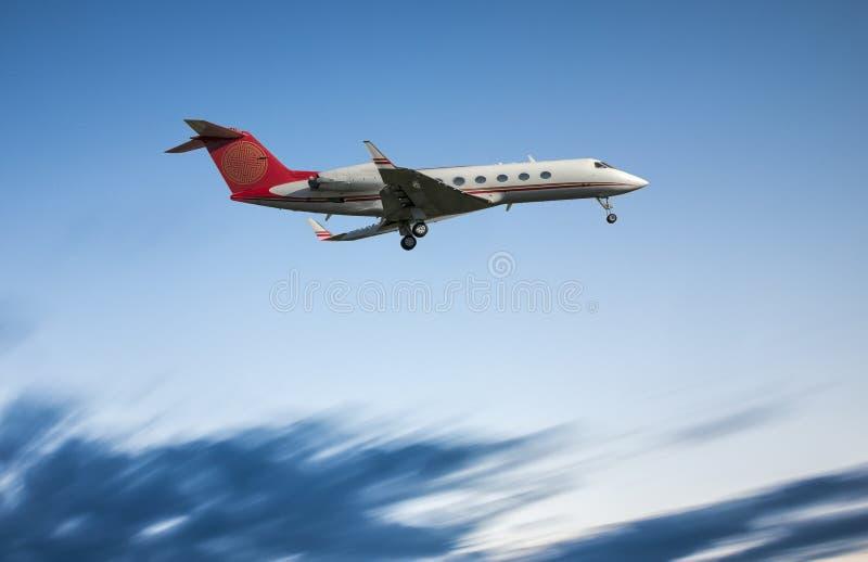 Jet Landing incorporada fotos de stock