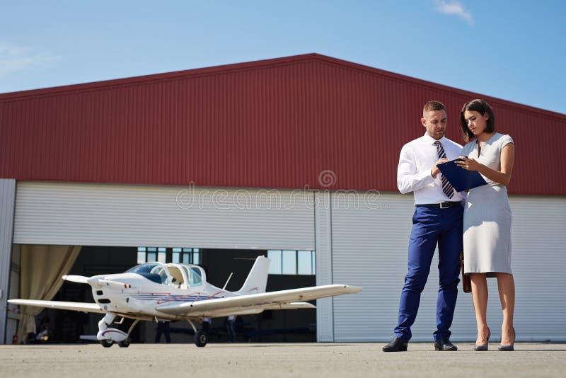 Jet personal para el hombre de negocios moderno foto de archivo