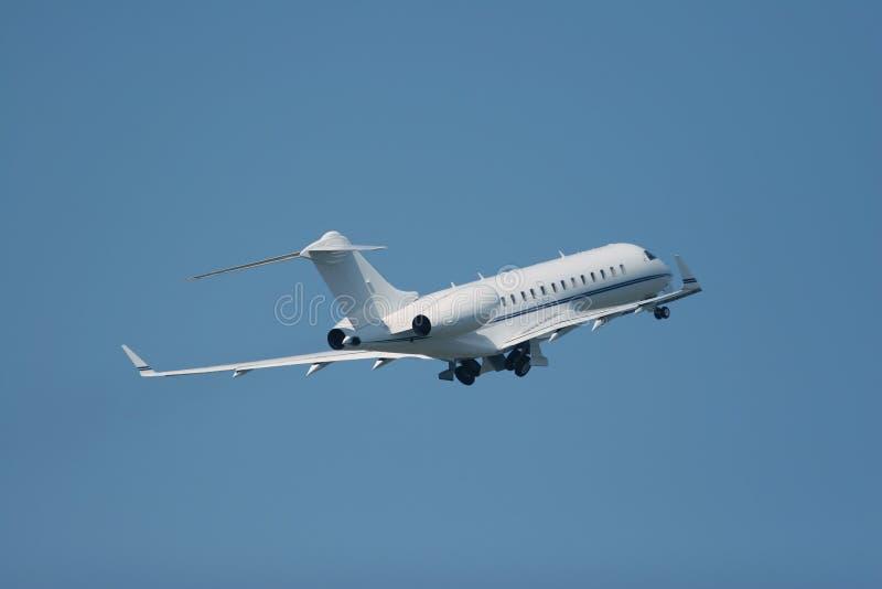 Download Jet privato fotografia stock. Immagine di volo, privato - 7319704