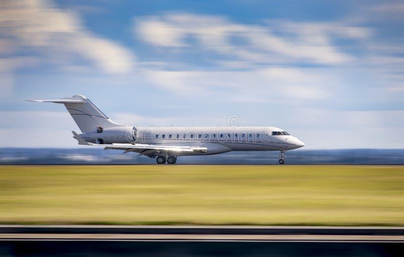 Jet privato di ricco e di famoso immagine stock libera da diritti
