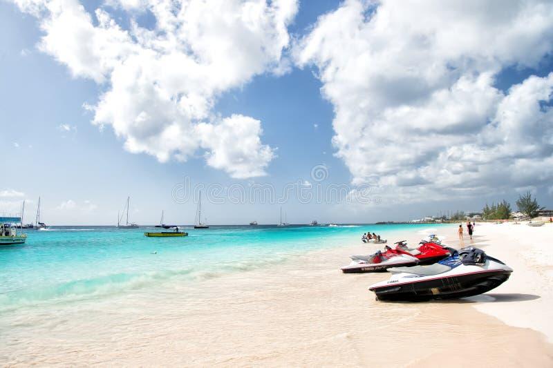 Jet ski sulla spiaggia delle Barbados immagine stock libera da diritti