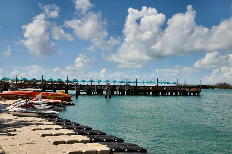 Jet-Skis und Docks, Key West Florida lizenzfreies stockbild