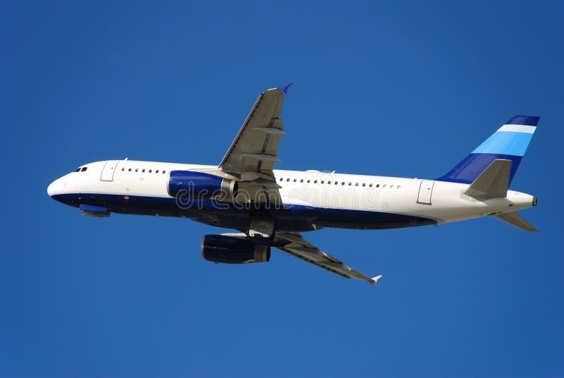 jet statku powietrznego z wziąć pasażerskiego nowocześnie obraz stock