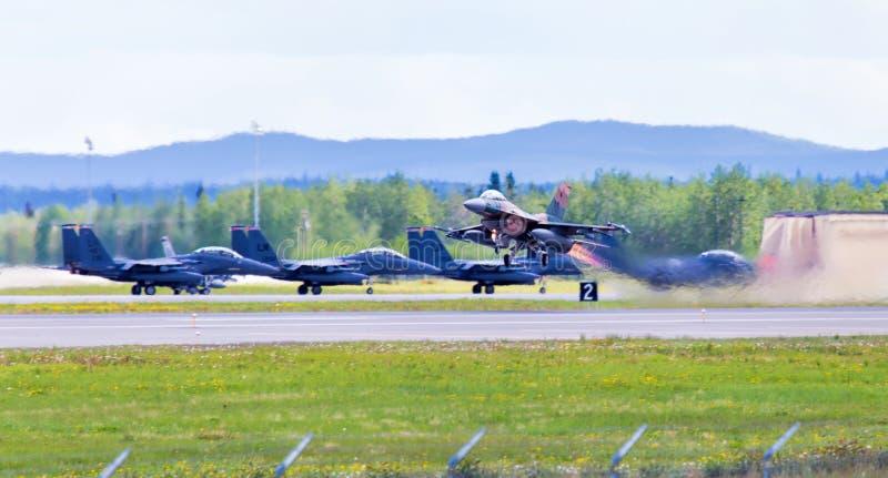 Download Jet Taking Off #1 redaktionell foto. Bild av stråle, strid - 76701360