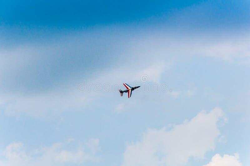 JET-VLIEG ALS VERTONING IN AIRSHOW SIAF BOVEN LUCHTHAVEN SLIAC IN SLOWAKIJE stock afbeeldingen