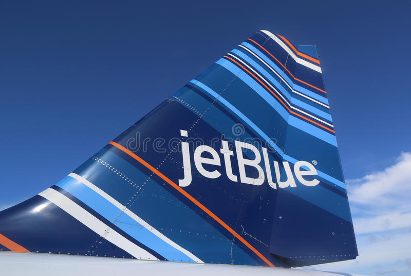 JetBlue θλεμψραερ 190 κώδικας-εμπνευσμένο σχέδιο tailfin στοκ εικόνα με δικαίωμα ελεύθερης χρήσης