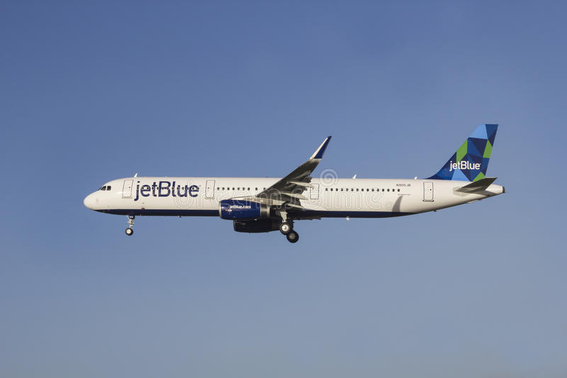 JetBlue flygbuss A321 royaltyfri foto