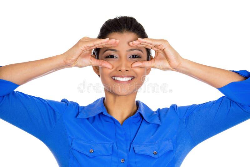 Jeter un coup d 39 oeil heureux de femme image stock image du latina universit 37215687 - Jeter un coup d oeil anglais ...