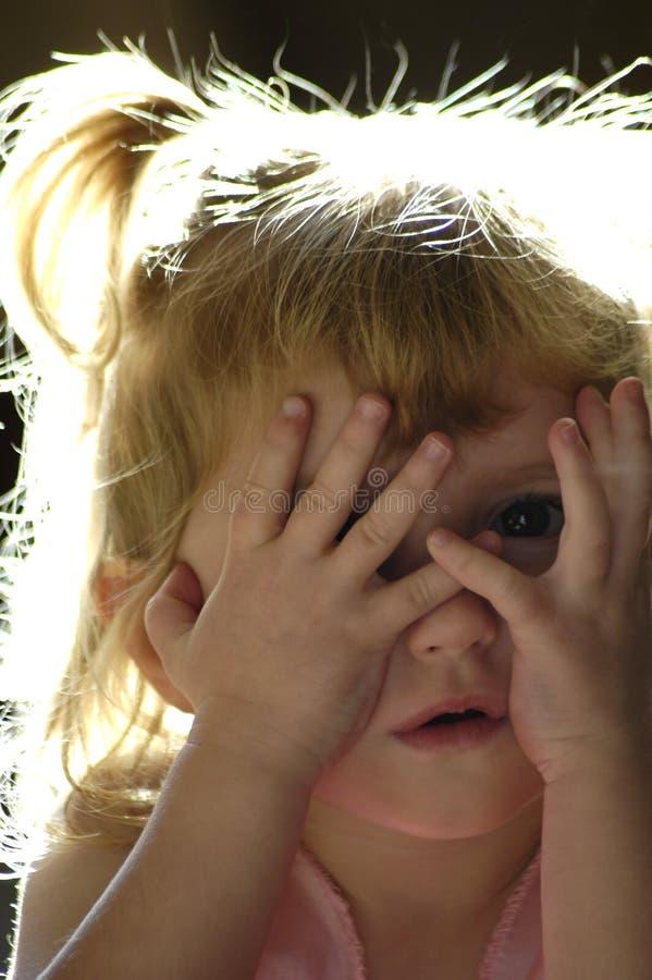 Jetez un coup d 39 oeil un boo photo stock image du beaut blond 1549498 - Telemoustique coup d oeil ...