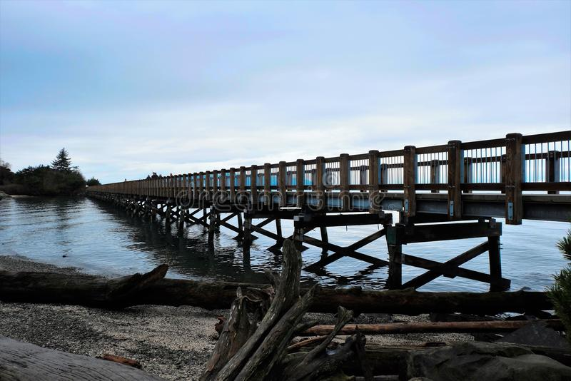 Jetez un pont sur le passage couvert photos stock