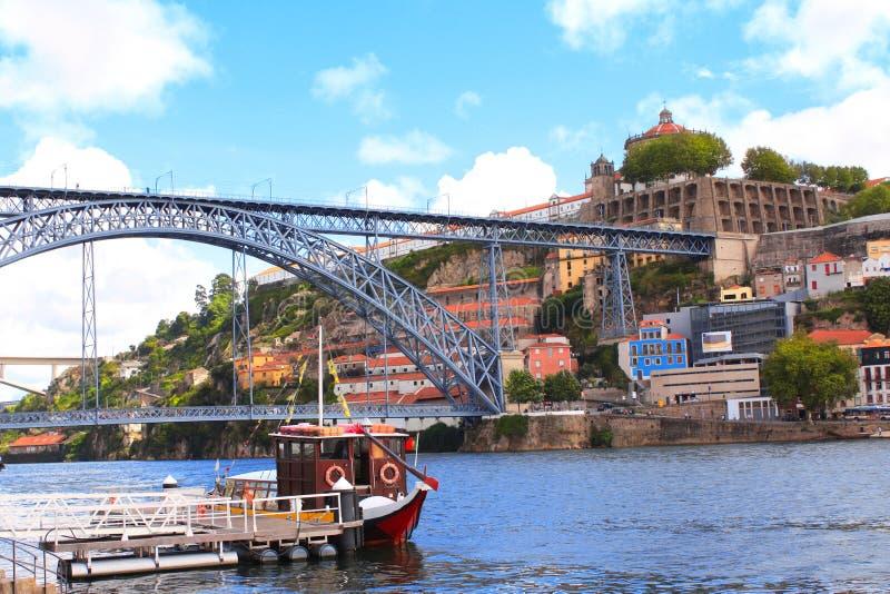 Jetez un pont sur Maria Pia sur la rivière de Douro, Porto, Portugal image libre de droits