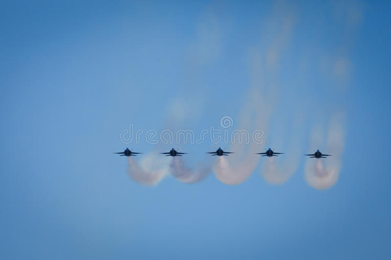 Download Jets Leave Vapor Trails Fleet Week Air Show Editorial Photography - Image: 21525702