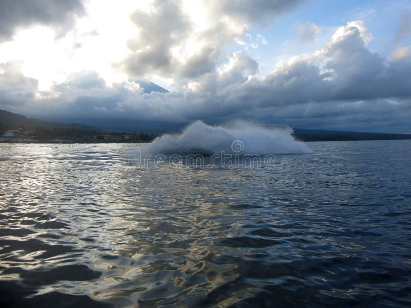 Jetski на море Скорость и адреналин стоковые изображения rf