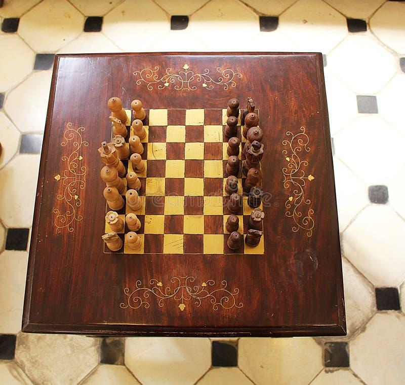 Jeu d'échecs en bois vers 1930 photos libres de droits