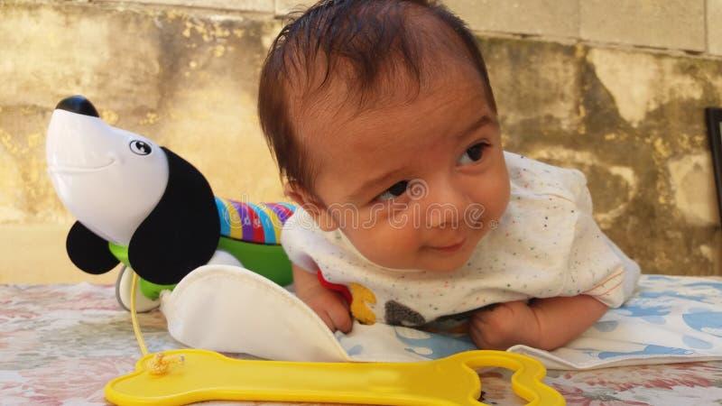 Jeu de bébé images libres de droits