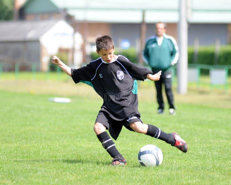 Jeu de football U13 photographie stock libre de droits