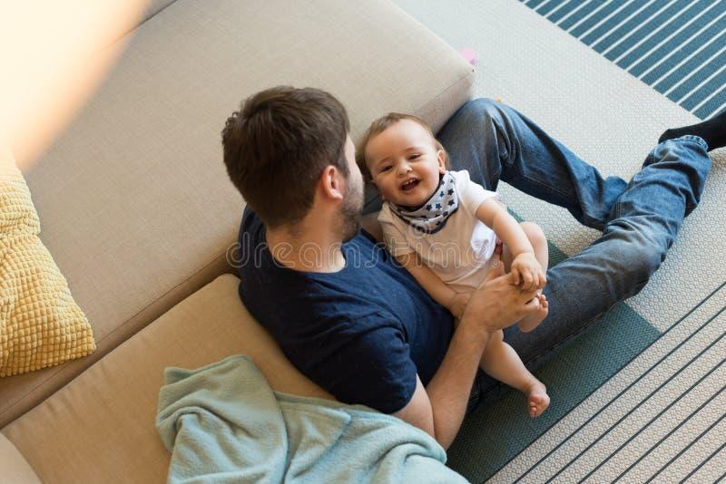 jeu de père de chéri photos stock