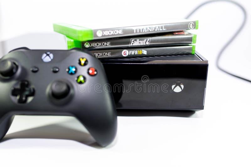 Jeu de jeu vidéo de Xbox One, foyer sur le logo, profondeur de champ images stock
