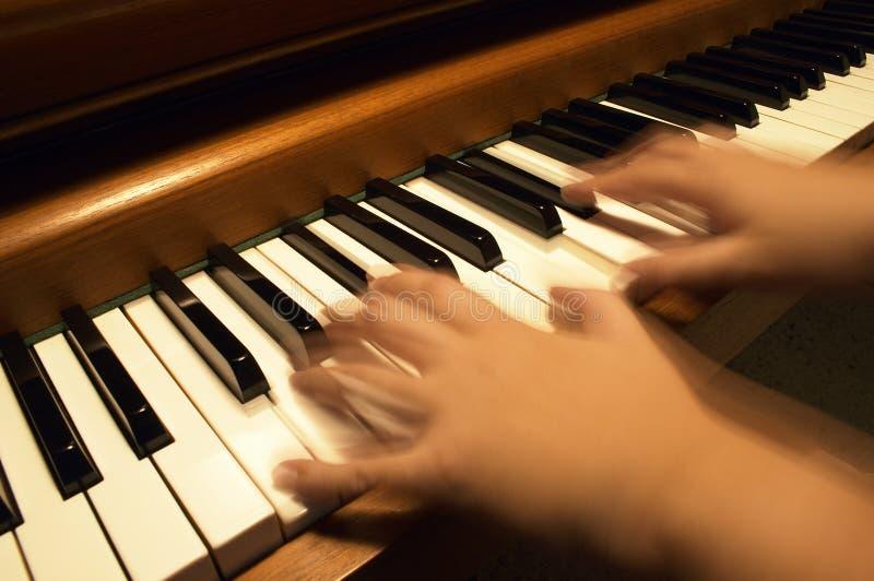 Jeu du piano images stock