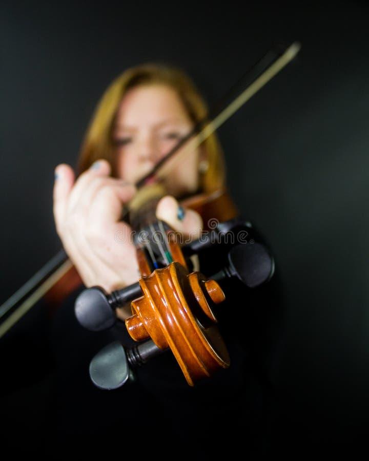 Jeu du violon images libres de droits