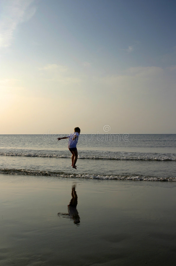 Jeu en mer photos libres de droits