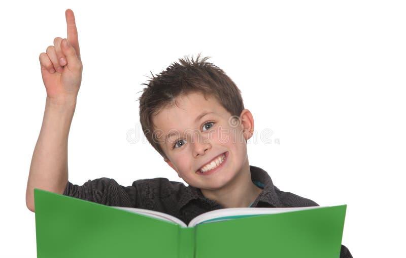 Jeune apprentissage de garçon photo libre de droits