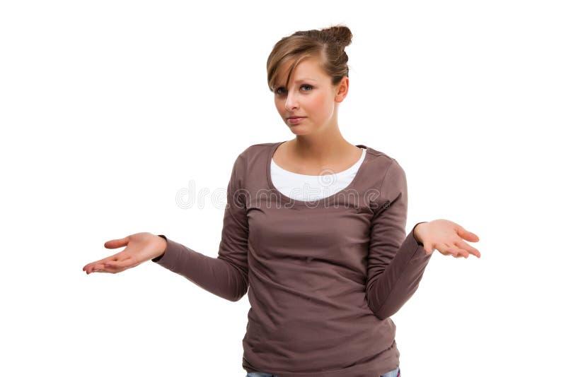 Jeune présentation attrayante de femme d'isolement sur le fond blanc photo libre de droits