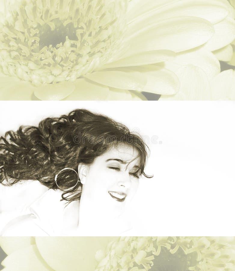 Jeune beau sourire de femmes photographie stock
