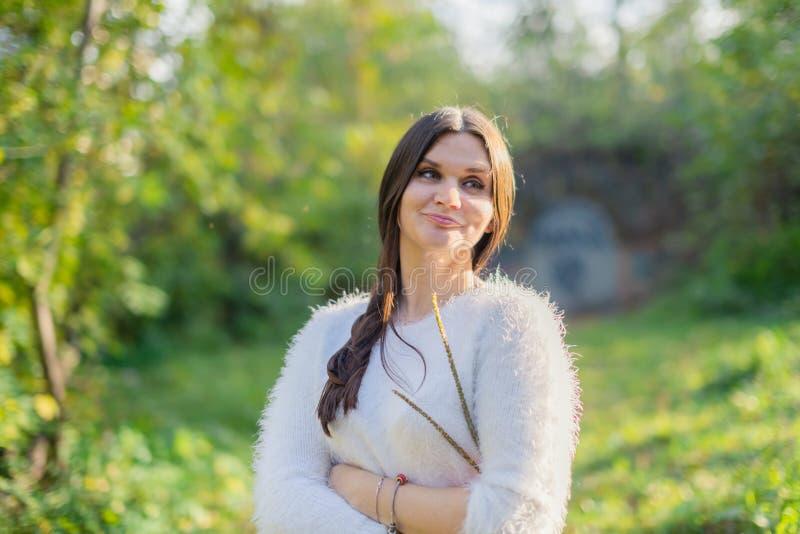 Jeune belle dame photo libre de droits