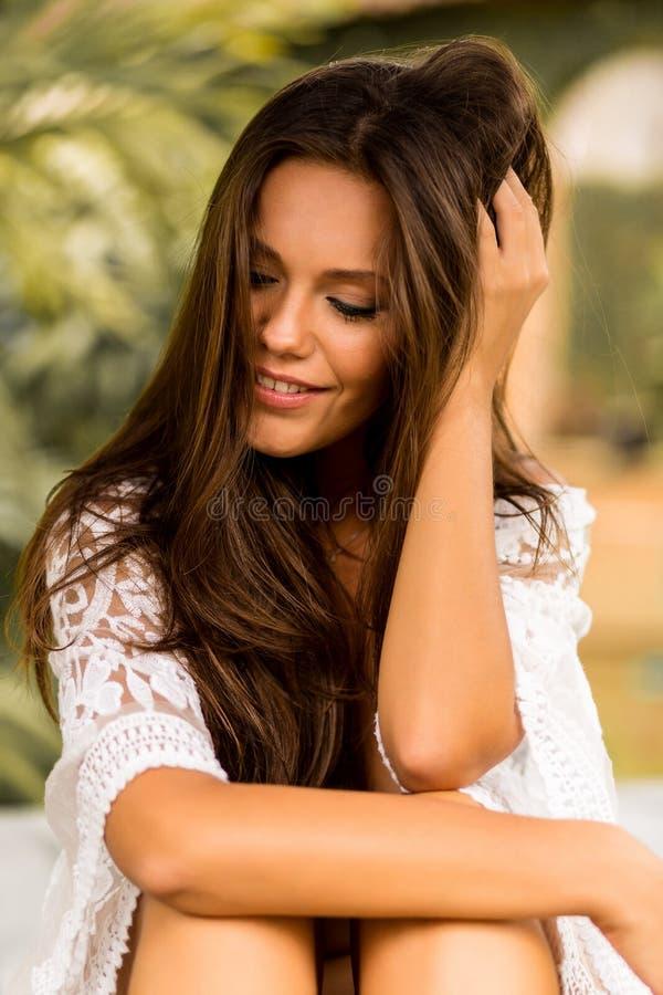 Jeune belle femelle des vacances photos libres de droits