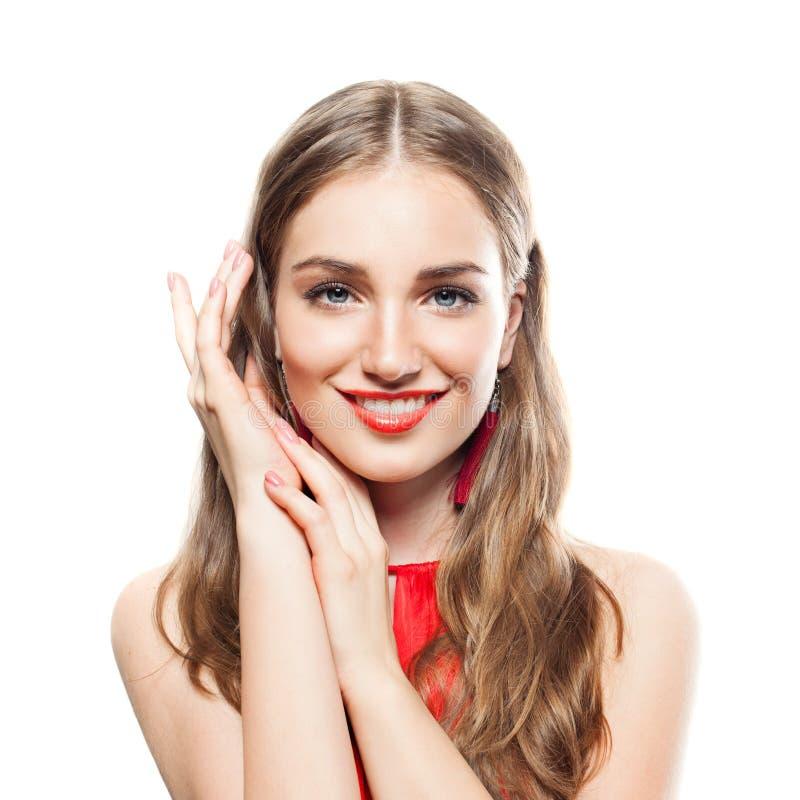 Jeune belle femme avec le maquillage, cheveux onduleux images stock