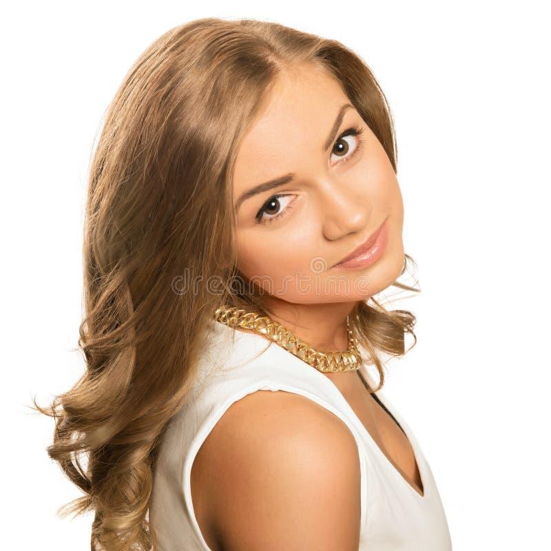 Jeune belle femme blonde de portrait avec les yeux bruns photo stock