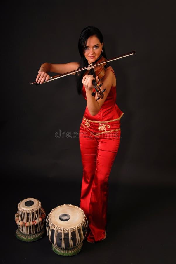Jeune belle femme sexy avec le violon photo libre de droits
