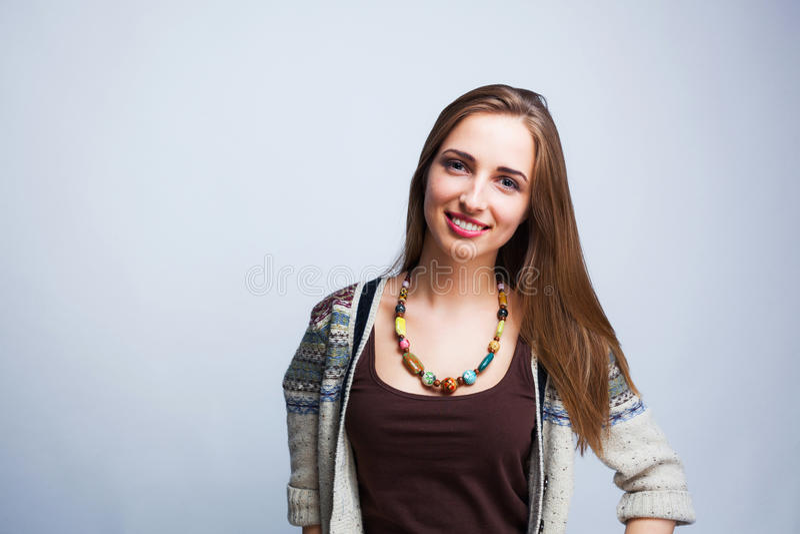 Jeune belle pose d'adolescente photo stock