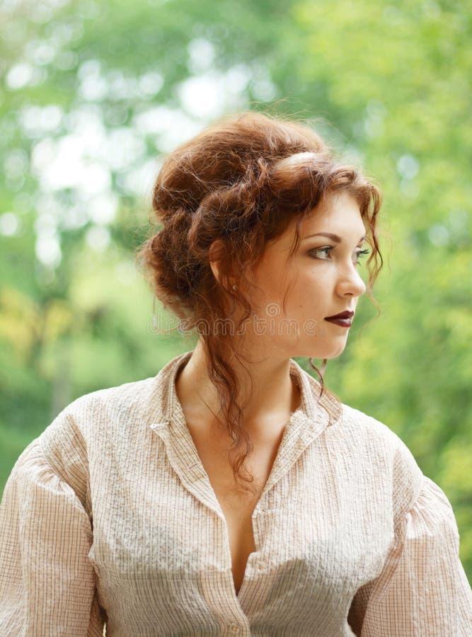 Jeune dame pensive images stock