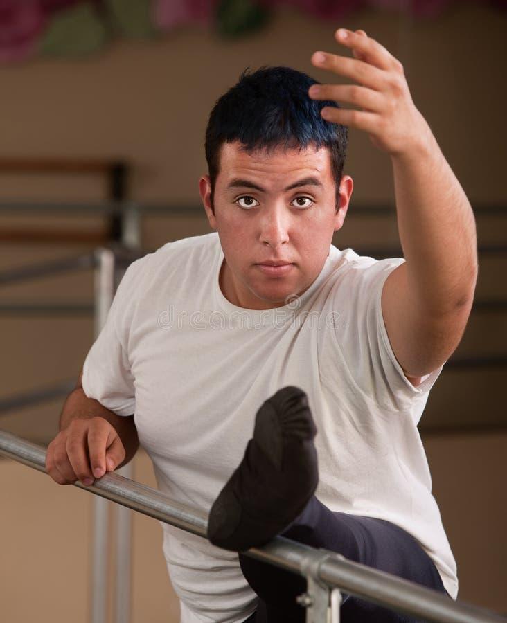 Jeune danseur de ballet mâle photographie stock