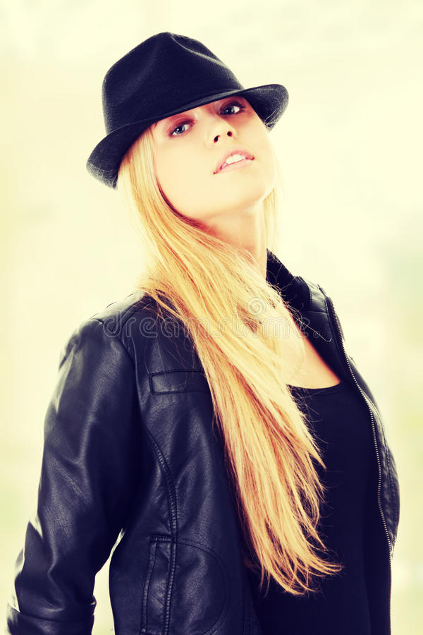 Jeune danseur féminin dans le chapeau photos stock