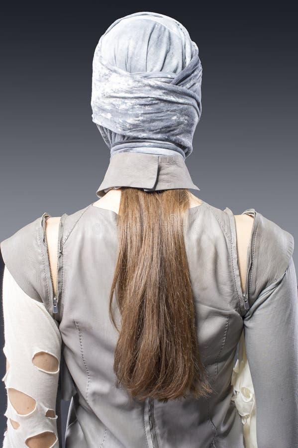 Jeune dos blond de vue de femme image libre de droits