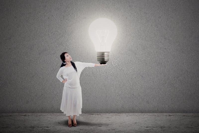 Idée lumineuse d'entrepreneur photo stock