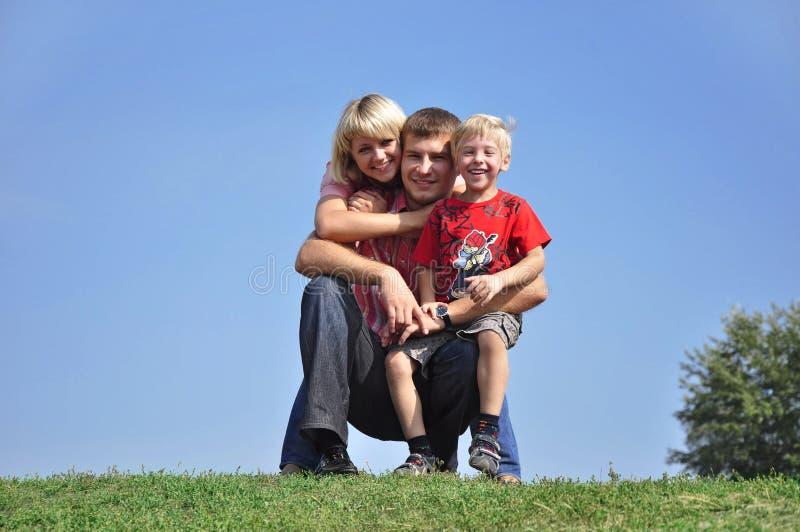 Jeune famille photo libre de droits