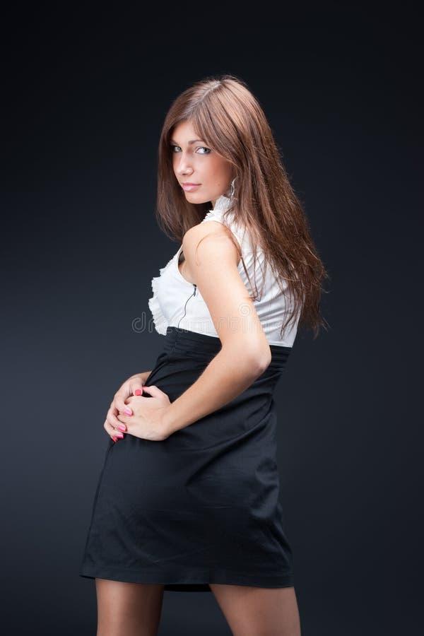 Jeune femme élégante photographie stock libre de droits