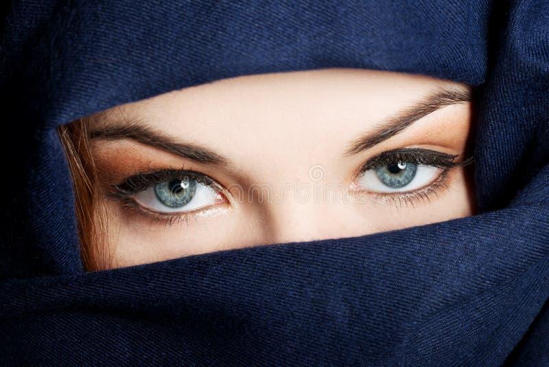 Jeune femme Arabe images libres de droits