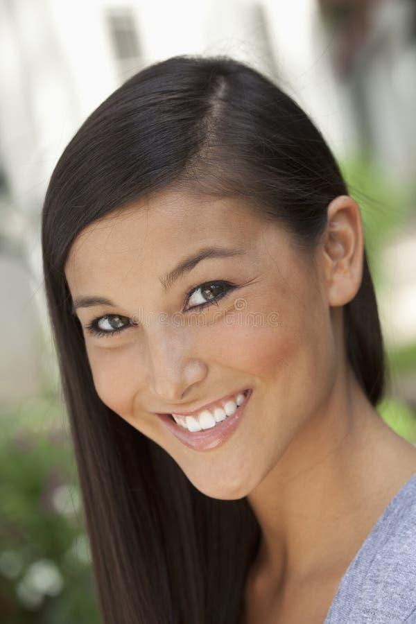 jeune femme asiatique attirante image stock image du outside cheveu 15673513. Black Bedroom Furniture Sets. Home Design Ideas