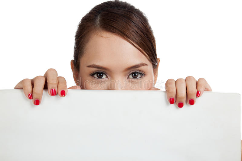 Jeune femme asiatique avec le signe vide photographie stock