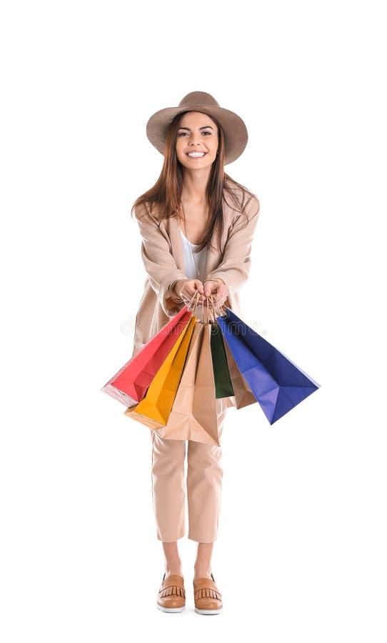 Jeune femme avec des sacs à provisions images libres de droits